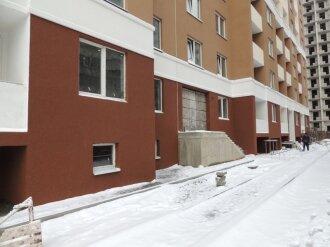Секция А и Б. Закончены работы по фасаду цокольного этажа.