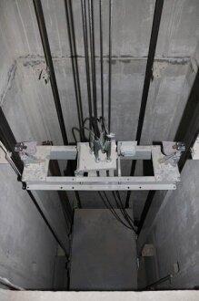 Секция Д. Монтаж лифтов.